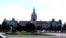 The 'palace of culture', a superb museum